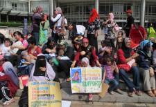 Kuala Lumpur Breastfeeding Flash Mob 2012